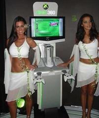 Jolie Babes près de la XBOX 360