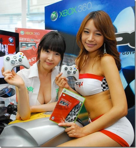 XBOX_360_booth_sexy_babes