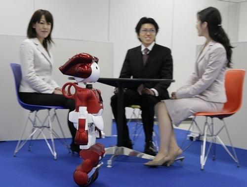 Emiew2_Hitachi_robot