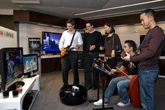ShowRoom_Samsung_Guitar_Hero
