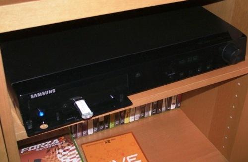 Samsung_HTZ-210_front
