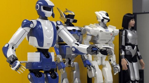 hrp-4_family_robot_